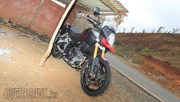 2014-Suzuki-V-Strom-1000-ABS-11
